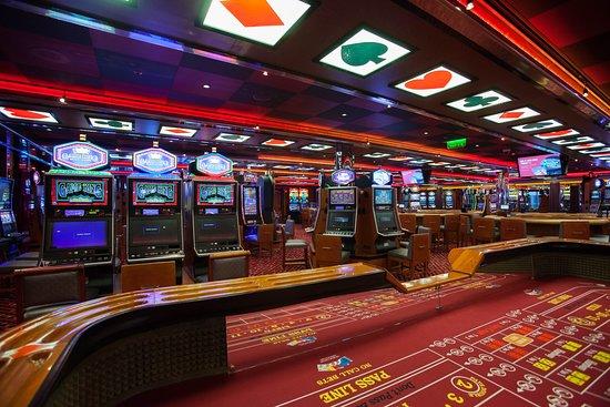 Winner's Luck Casino on Carnival Breeze