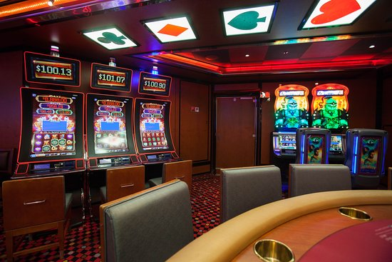 Winner's Luck Casino on Carnival Breeze