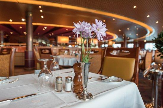 Vista Dining Room on Noordam