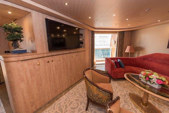 The Pinnacle Suite on Noordam