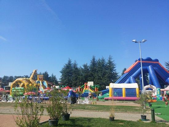 Une super journée au parc jokerland à craponne avec un soleil magnifique et des enfants surexcité :)