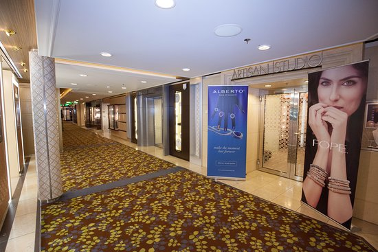 Galleria Boutiques on Celebrity Reflection