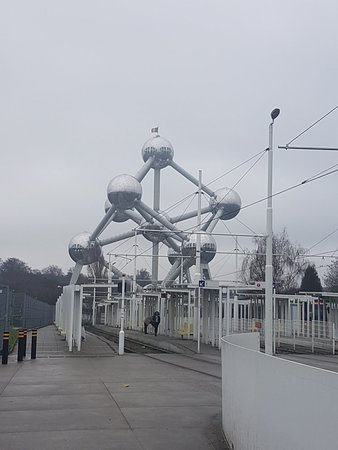 Atomium Resmi