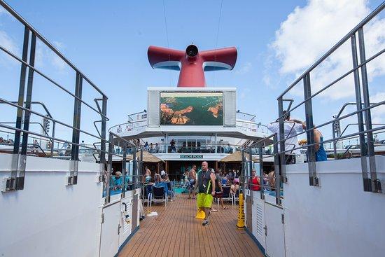Carnival Sunshine: Lido Deck on Carnival Sunshine