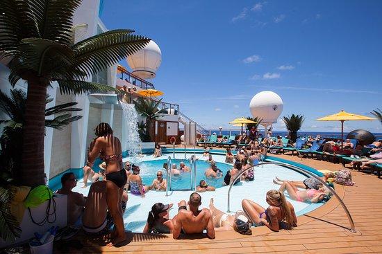 Serenity Pool on Carnival Sunshine