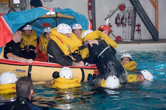 Groton, CT : Life Raft Team Building Exercise