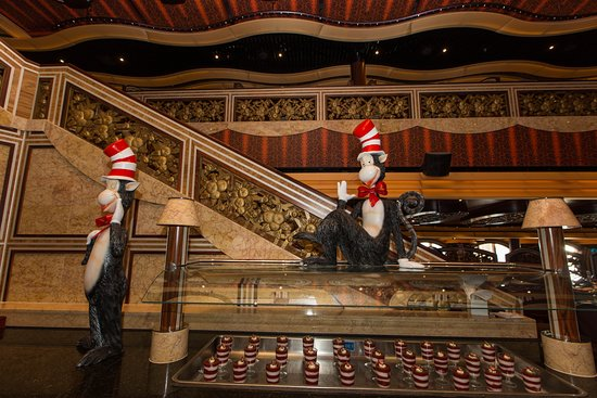 Chic Dining Room on Carnival Freedom