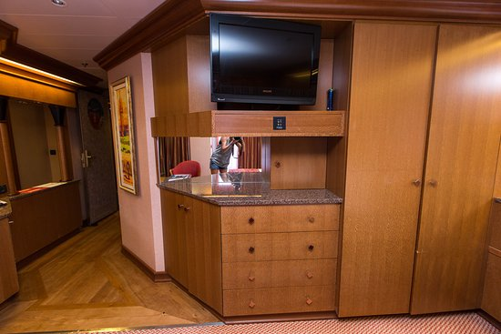 The Ocean Suite on Carnival Freedom