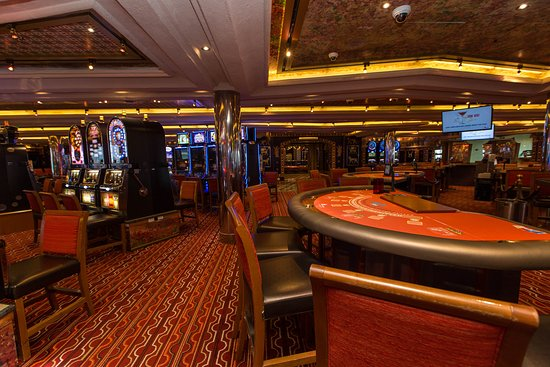 Babylon Casino on Carnival Freedom
