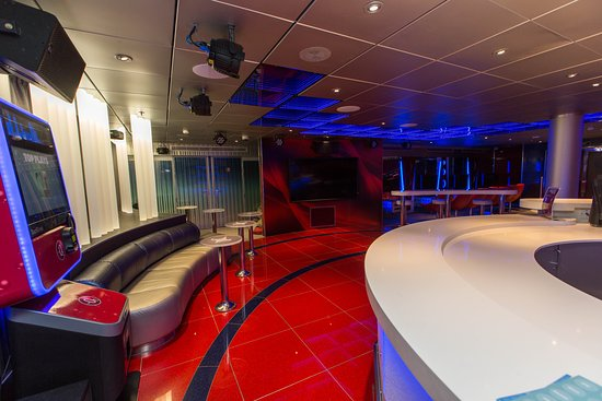 Club 02 on Carnival Freedom
