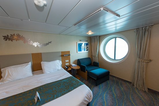The Accessible Cabin with Porthole on Oasis of the Seas