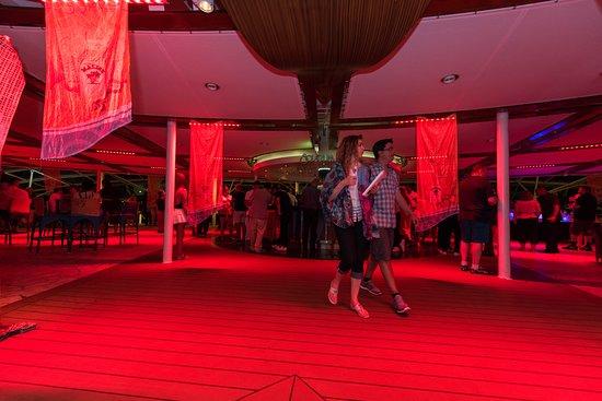 Solarium Party (Escape) on Oasis of the Seas