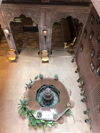 Rani Mahal Boutique Hotel: View looking down on the lobby.