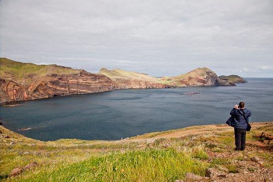 La punta de San Lorenzo en #Madeira es uno de esos paisajes que te dejan sin habla. Toda la isla (perteneciente a Portugal) es un paraíso para amantes de la naturaleza más salvaje llena de rincones de gran belleza