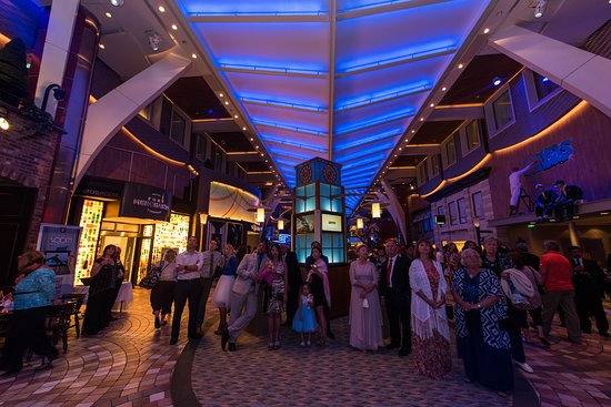 Royal Promenade on Oasis of the Seas