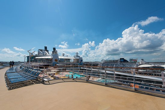 The Sun Decks on Oasis of the Seas