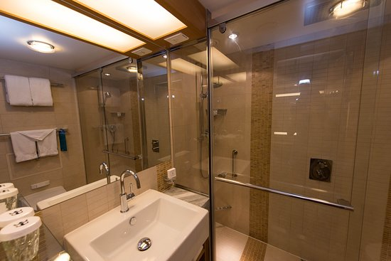 Oasis of the Seas: The Crown Loft Suite with Balcony on Oasis of the Seas