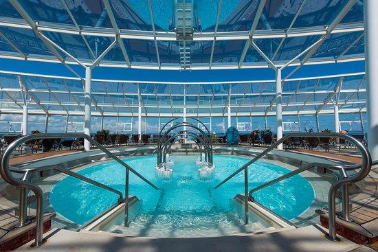 Oasis of the Seas: The Solarium on Oasis of the Seas