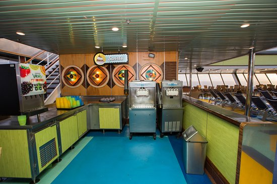 The New World Pool on Carnival Triumph