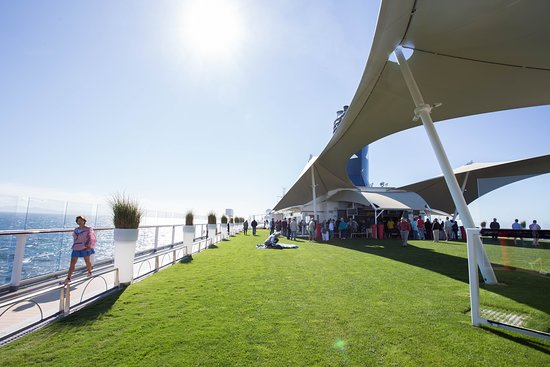 The Lawn Club on Celebrity Solstice