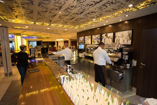 Cafe al Bacio & Gelateria on Celebrity Solstice