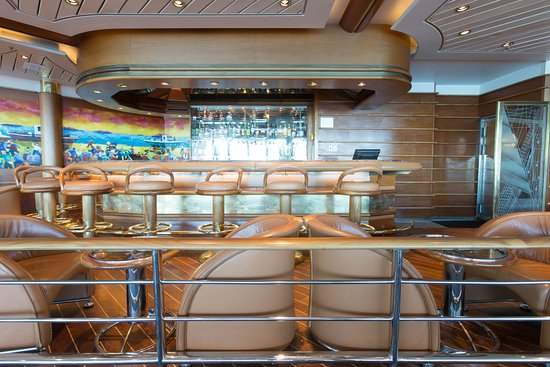 Schooner Bar on Enchantment of the Seas