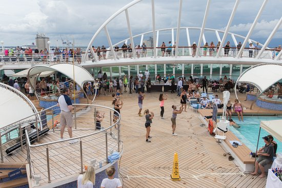 Sailaway Celebration on Enchantment of the Seas