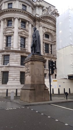 Duke of Devonshire Statue