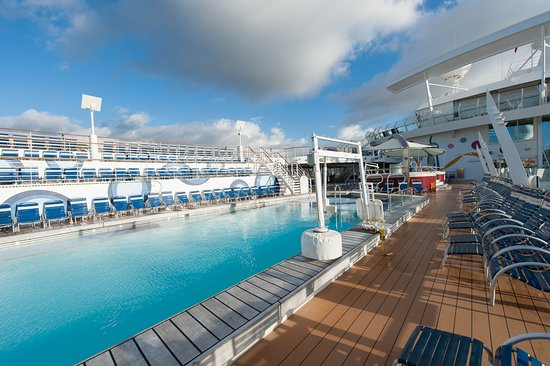 The Main Pool on Allure of the Seas