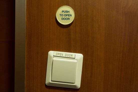 Restrooms on Allure of the Seas