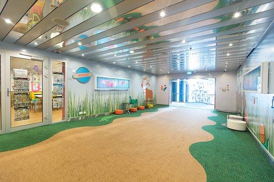 Allure of the Seas: Kids Avenue on Allure of the Seas