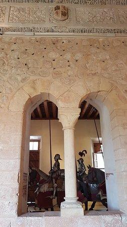 Alcázar of Segovia: SALON DE ARMAS
