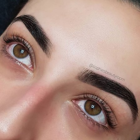 Bossley Park, Австралия: Eyebrow Reshape & Brow Tint with a Lash Lift & Tint by Sophie
