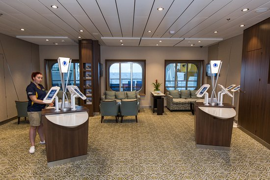 Shore Excursions Desk on Anthem of the Seas
