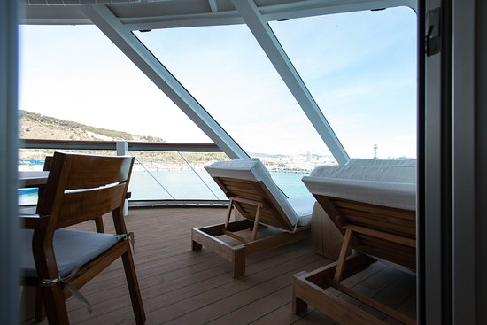 The Explorer Suite on Viking Sky