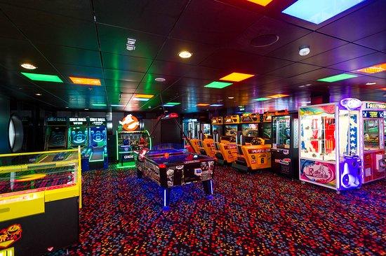 Video Arcade on Symphony of the Seas
