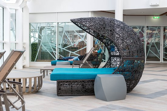 Solarium on Symphony of the Seas