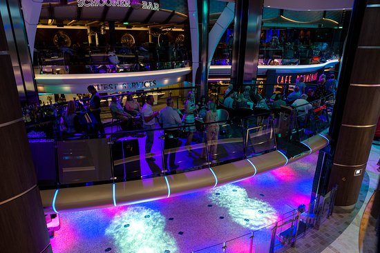 Royal Promenade on Symphony of the Seas