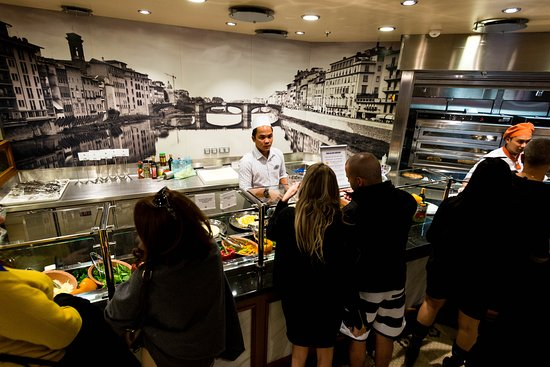 Sorrento's Pizzeria on Symphony of the Seas