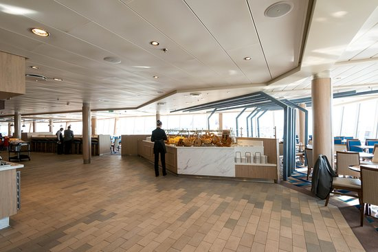 Windjammer Marketplace on Symphony of the Seas