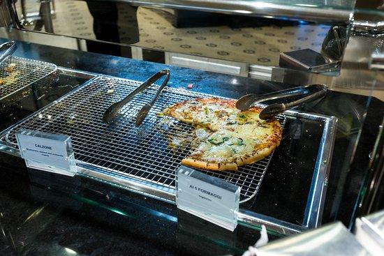Sorrento's Pizzeria on Symphony of the Seas