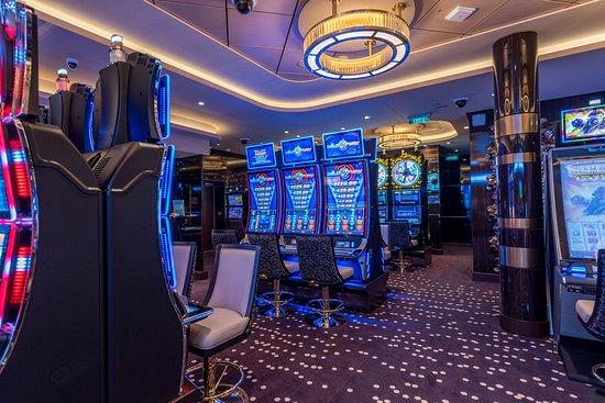 Bliss Casino on Norwegian Bliss