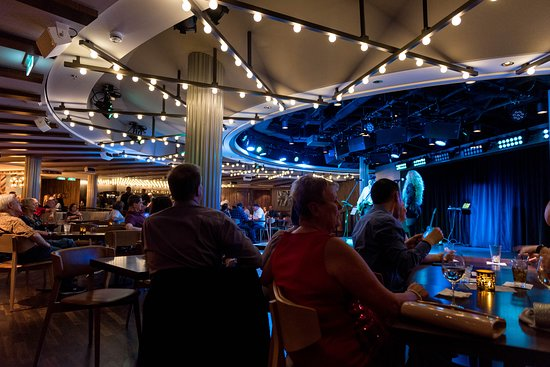Live Music Duo in Texas Smokehouse Q on Norwegian Bliss