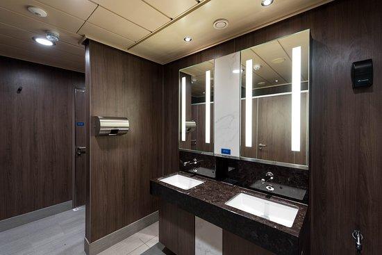 WC on Norwegian Bliss