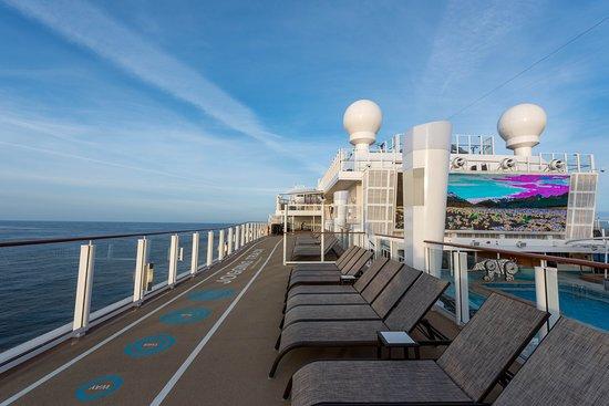 Sun Deck on Norwegian Bliss