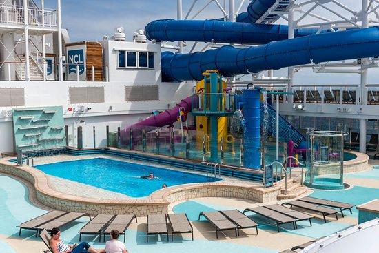 Kids' Pool on Norwegian Bliss