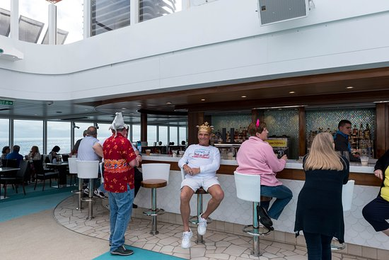 Surf Bar on Norwegian Bliss