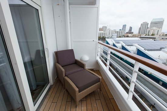 The Seabreeze Penthouse Suite with Verandah on Crystal Symphony