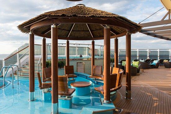Havana Pool on Carnival Horizon