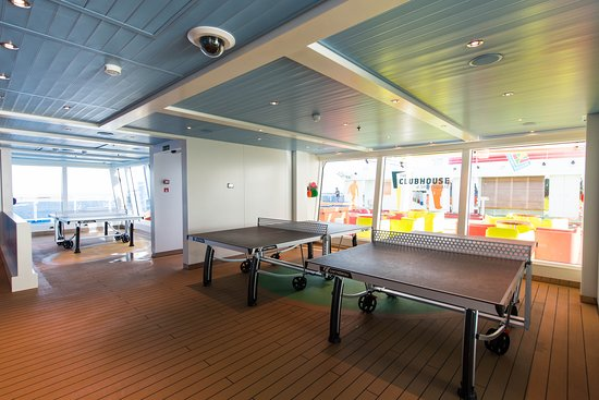 The Clubhouse on Carnival Horizon